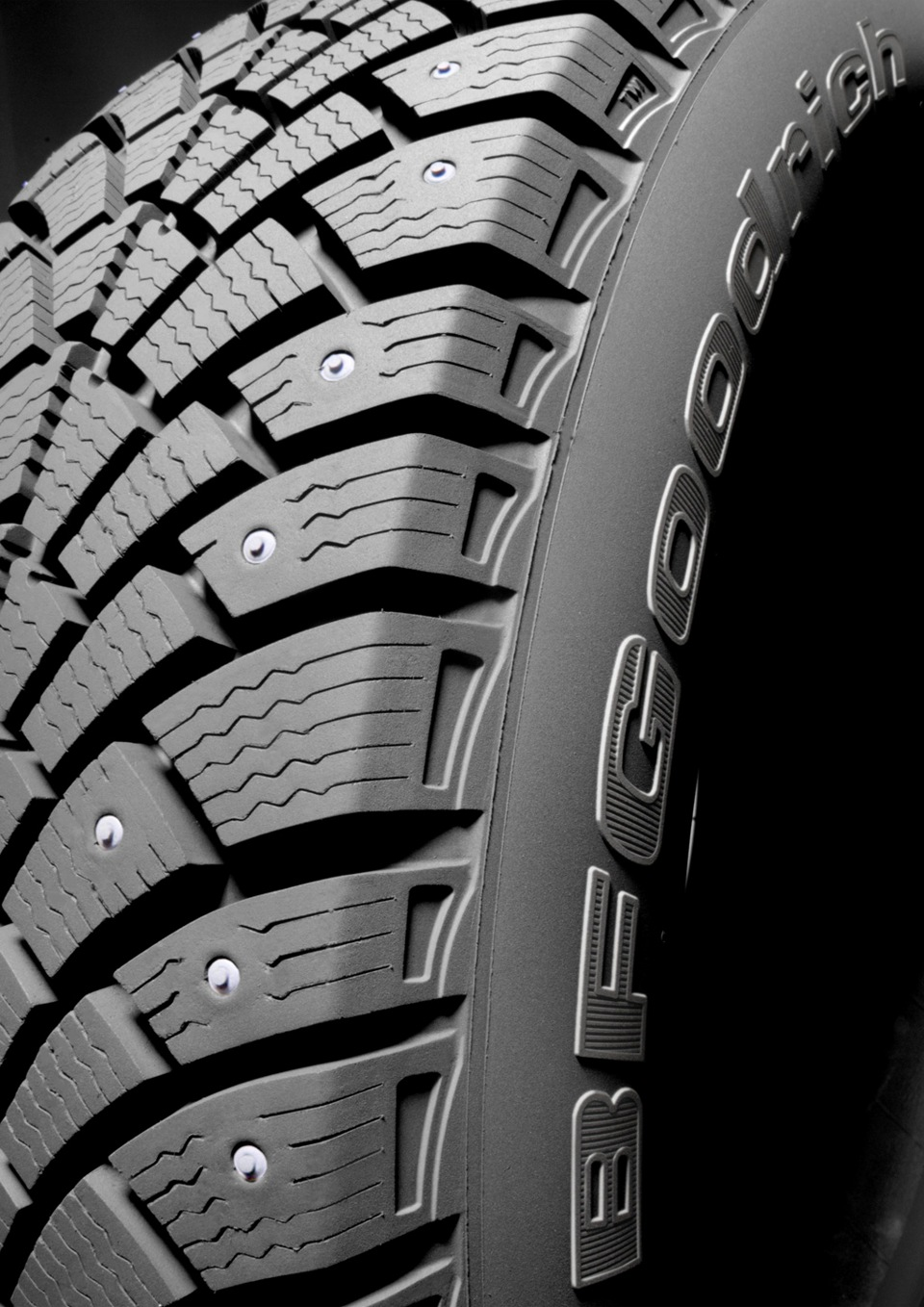 BF Goodrich G-Force Stud 195/60 R15