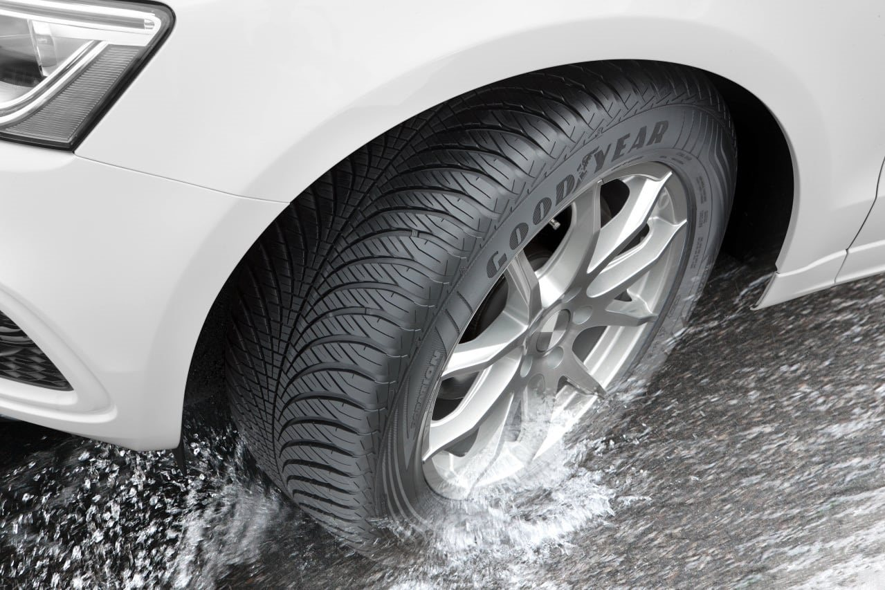 Goodyear Vector 4 Seasons SUV GEN-2